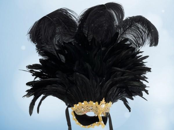 Masque à plumes brésilien dans les tons noirs