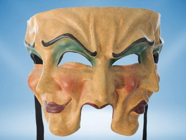 Masque à trois visages en couleur